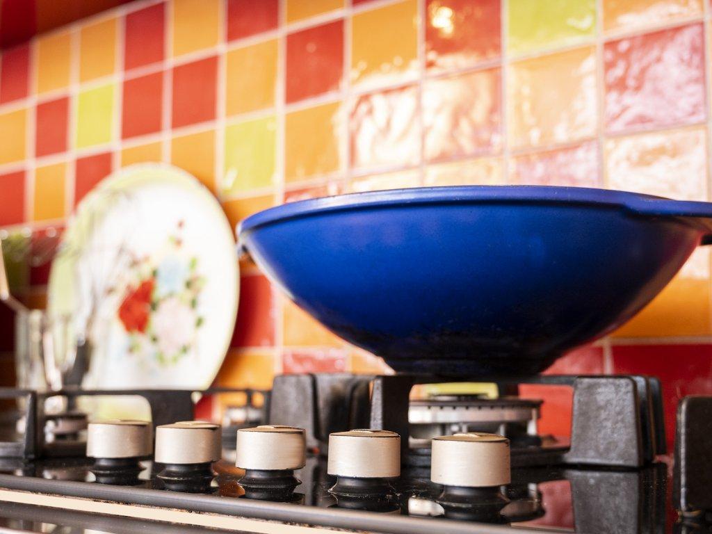 5 pits gas op glas met wokbrander