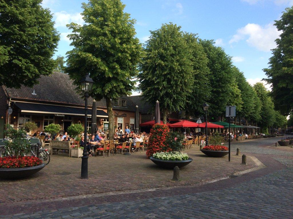 Het gezellige centrum van Eersel, veel terrasjes